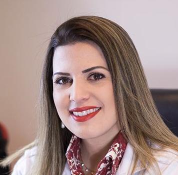 Dra Eloize Valadares